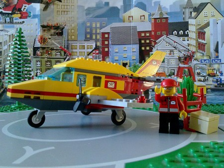 Lego 7332-1 Air Mail plan lands at Brickford airport.